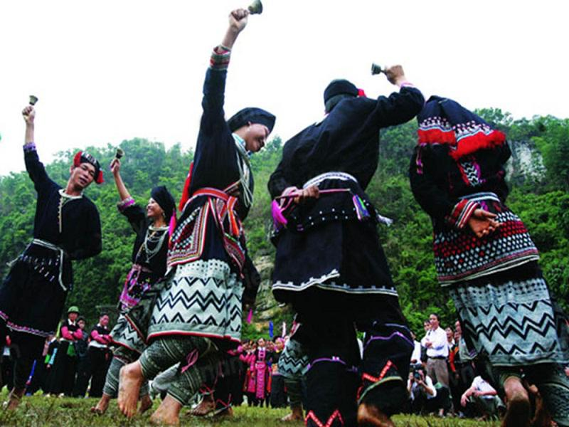 The-top-6-most-impressive-festivals-in-Sapa3