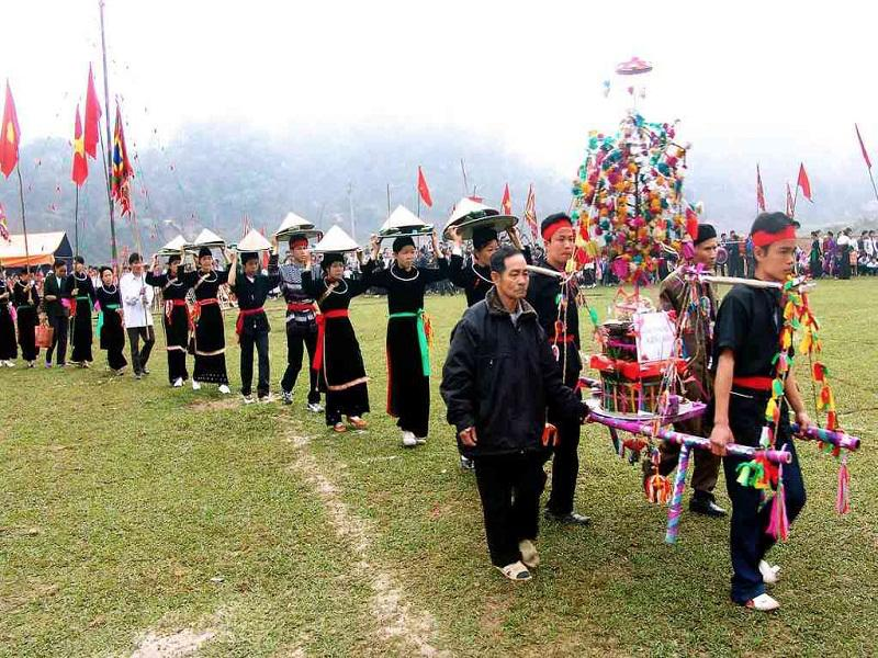 The-top-6-most-impressive-festivals-in-Sapa5