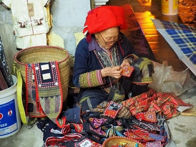 Sapa brocade culture and the top recommended brocade shops in Sapa